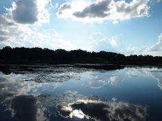 Het mooie van deze foto is de weerkaatsing van de lucht in het water. Kan er uren naar kijken hoe de wolken over het water bewegen. Meer weten over deze bestemming? http://to.kras.nl/pinterest_verenigde-staten