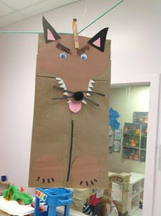 Theme: little red riding hood Craft: wolf puppet- Wolf body could also be a cut out shape instead of a bag for a collage lesson Mais Fairy Tale Crafts, Fairy Tale Theme, Summer Crafts, Crafts For Kids, Wolf Craft, Fairy Tales Unit, Paper Bag Puppets, Traditional Tales, Three Little Pigs