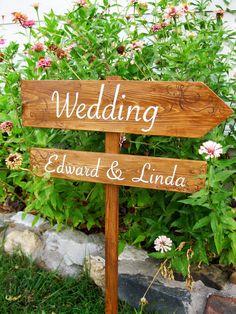 Wedding sign #arrow #wedding #sign