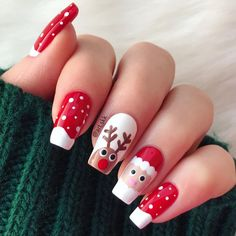 The Cutest and Festive Christmas Nail Designs for Celebration Here are the best Christmas acrylic nails designs, cute Christmas nails and red Christmas nails 2018 that We've Cherry Picked, to act as an inspiration for you! Christmas Gel Nails, Xmas Nail Art, Christmas Nail Art Designs, Holiday Nail Art, Cute Nail Art Designs, Holiday Mood, Nail Art Ideas, Christmas Christmas, Easy Christmas Nail Art
