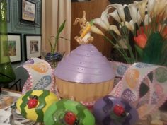 Concert cupcake for the garden with the spring eggs.