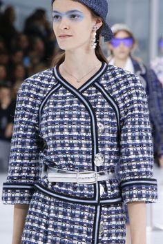 Spring 2016. Chanel. Ready to wear. Fashion Show. Runway. Fashion trend.