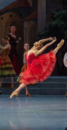 "loverussianballet:  ""Don Quixote"" starring Oksana Bondareva"
