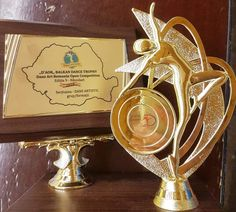 TROFEUL Dans Art Romania Open – D,AOR Dance Balkan TROPHY – câștigat de dansatorii scolii de dans Joy2Dance din Constanta Place Cards, Place Card Holders, Art, Art Background, Kunst, Performing Arts, Art Education Resources, Artworks