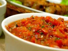 Salata turceasca de rosii si ardei gras