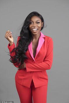 Patricia Bright: The Online Hustler Business Portrait, Corporate Portrait, Business Headshots, Business Photos, Boss Lady, Girl Boss, Foto Cv, Professional Headshots Women, Headshot Poses