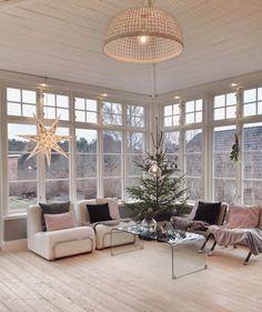 Carina Olander, Sweden. Idag firar @truelsen och jag jul hos @mariamonung. Fotografering för tidningen @husohem
