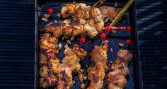 Brochettes de poulet satayVoir la recette des Brochettes de poulet satay >>