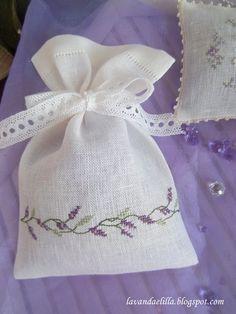 Lavanda e Lillà : Photo Cross Stitching, Cross Stitch Embroidery, Embroidery Patterns, Hand Embroidery, Cross Stitch Patterns, Crochet Patterns, Lavender Crafts, Lavender Bags, Lavender Sachets