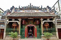 Chùa Thiên Hậu còn được gọi là chùa Bà Chợ Lớn, nằm ngay trên đường Nguyễn Trãi, Q5, Thành Phố Hồ Chí Minh, là nơi thiêng liêng của người hoa khi định cư sống ơ đất Sài Gòn, nơi này có nhiều điều lạ với những câu chuyện củng như nơi tâm linh của người Hoa http://tourcuchi.com/tour-du-lich-cu-chi-tp-hcm-trong-ngay/