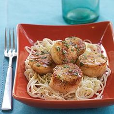 Scallops with Lemon-Basil Sauce recipe: Look for dry-packed sea scallops at your local seafood market. They haven't been soaked in a liquid solution, which increases their weight and sodium content. Sauce Recipes, Fish Recipes, Seafood Recipes, Cooking Recipes, Healthy Recipes, Clam Recipes, Seafood Dinner, Fish And Seafood, Seafood Market