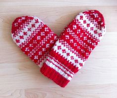 Hand-knit Scandinavian red and white mittens — original design – dressempty Knitted Christmas Stockings, Christmas Knitting, Hand Knitting, Knitting Patterns, Be My Valentine, Wool Yarn, Knitting Projects, Mittens, Scandinavian