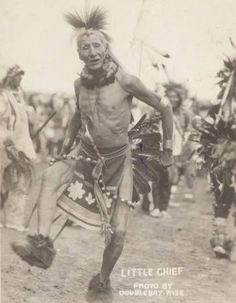 Sioux Warrior,  Little Chief .  1905. - Imgur