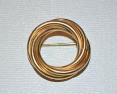 Vintage Winard Circle Wreath Pin/ Brooch Gold Filled Signed Winard 14K GF (D15