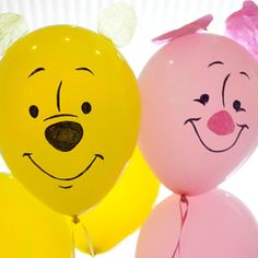 Winnie the pooh and piglet balloon tutorial Winnie The Pooh Themes, Winnie The Pooh Birthday, Bear Birthday, First Birthday Parties, First Birthdays, Birthday Ideas, Birthday Images, Birthday Bash, Bear Party