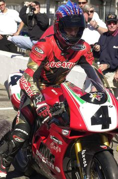 Scott Russell on a Ducati for the 2001 Daytona 200 (remember, they actually raced superbikes back then).
