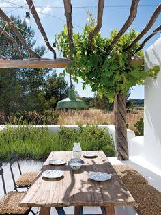 Weekend Escape: A Finca Style Holiday Home On Ibiza Backyard Garden Design, Backyard Fences, Patio Design, Garden Landscaping, Terrace Design, Garden Kids, Villa Design, Design Hotel, Garden Path