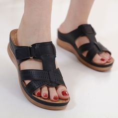 Jetzt erhältlich in unserem Onlineshop. Open Toe Sandals, Black Sandals, Leather Sandals, Muscle Imbalance, Posture Correction, Muscle Pain, Birkenstock Milano, Toe Shape, 50th