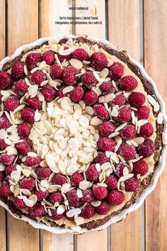 Tarta migdałowa z białej fasoli z malinami (wegańska, bezglutenowa, bez cukru) – mojprzepisna.pl Acai Bowl, Food Photography, Cooking Recipes, Sweets, Breakfast, Desserts, Foodies, Cakes, Scrappy Quilts