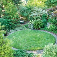 This Impressive Maryland Garden Proves That Patience Is Key Circular Garden Design, Circular Lawn, Backyard Garden Design, Lawn And Garden, Landscaping Design, Back Gardens, Small Gardens, Round Gazebo, Garden Makeover