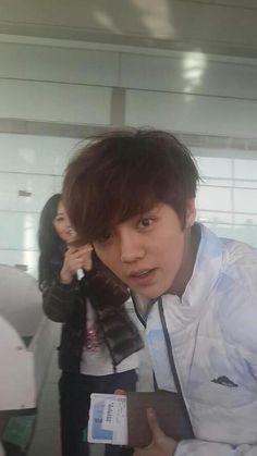 luhan @ an airport (?) #exo