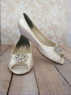 Low-wedge peeptoe wedding shoes - http://themerrybride.org/2015/05/20/wedding-shoes-available-on-etsy/