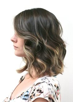 Golden highlights for brunette hair
