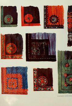 Hungarian folk costumes - Kalotaszeg aprons - A magyar nép mvészete : számos szakért és mvész... Folk Costume, Costumes, Folk Music, Traditional Outfits, Embroidery Patterns, Textiles, History, Hungary, Free