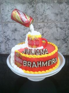 Bolo da cerveja Brahma, bolo de chocolate recheio de leite ninho.