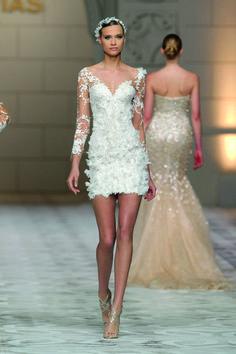 Capricornio style. 2015 Pronovias Fashion Show.  www.pronovias.com
