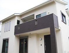 ・一部屋根のあるバルコニー 屋根があるため、洗濯物も安心して干すことができます。一階にもバルコニーを利用して物干を設置してあり、将来家族が増えても対応できるようになっています。