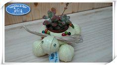 https://flic.kr/p/rLXKBr   Tortuga Porta Macetas   Cajita Joyero Tortuga, hecha de papel de periódico y adornada con flores de bolas de colores, todos los materiales reciclados 100/*100.  Caprichitos de Papel ®