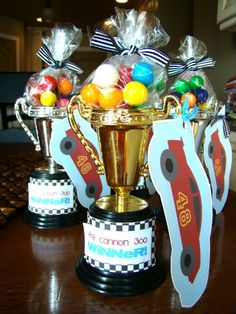 Pinewood Derby Awards. tHe fiCkLe piCkLe: On Your Mark. Get Set. PaRtY!