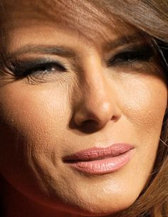 melania trump- love all the colors she is using for her makeup! Trump Love, Malania Trump, Trump Train, Milania Trump Style, First Lady Melania Trump, Trump Melania, Melania Knauss Trump, Donald And Melania, Bad Picture