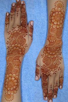 Mehndi Designs For Kids, Simple Arabic Mehndi Designs, Back Hand Mehndi Designs, Stylish Mehndi Designs, Latest Bridal Mehndi Designs, Mehndi Designs Book, Mehndi Designs 2018, Mehndi Design Photos, Wedding Mehndi Designs