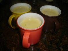 A Limonada Suíça é prática, deliciosa e perfeita para refrescar as tardes quentes. Faça e confira! Veja Também:Caipirinha de Yakult Veja Também:Drink Fro