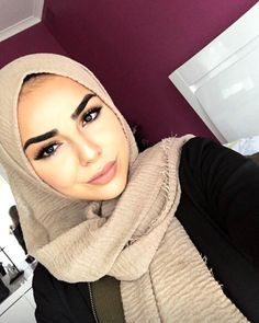 How Gorgeous Is This Face😍? @zahra.ali in our crinkle Shawl available in 40 new shades✨  #modelleofficial #ootd #hootd #hair #fashion #coveredhair #casual #getthelook #outfit #modest #muslimah #style #love #follow #black #fashionblogger #fashionista #tbt #inspiration #spring  #islam #travelgram #sunday #shop #modesty #clothes #like #summer #new
