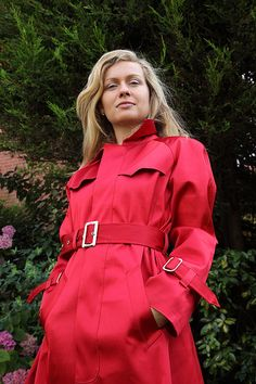 Angie in red Mackintosh Raincoat, Rain Fashion, Rubber Raincoats, Rain Wear, Preppy Style, Leather Jacket, Womens Fashion, How To Wear, Trench