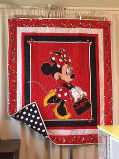 Owl Quilts, Cute Quilts, Small Quilts, Applique Quilts, Mickey Mouse Quilt, Minnie Mouse Fabric, Baby Girl Quilts, Girls Quilts, Quilting Projects