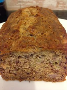 My Gluten Free banana bread tastes amazing & you can eat as much as you want! It's gluten free, dairy free, refined sugar free & fat free too! Gluten Free Scones, Gluten Free Banana Bread, Banana Bread Recipes, Gluten Free Baking, Gluten Free Desserts, Polenta, Healthy Snacks For Diabetics, Diabetic Snacks, Healthy Foods