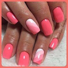 Semi-permanent varnish, false nails, patches: which manicure to choose? - My Nails Colorful Nail Designs, Short Nail Designs, Coral Nail Designs, Coral Nails With Design, Fancy Nails Designs, Stylish Nails, Trendy Nails, Dipped Nails, Nail Polish Designs
