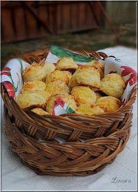 Limara péksége: Sajtos pogácsa Hungarian Recipes, Hungarian Food, Croissant, Creative Food, Scones, Ham, Cookie Recipes, Potato Salad, Biscuits