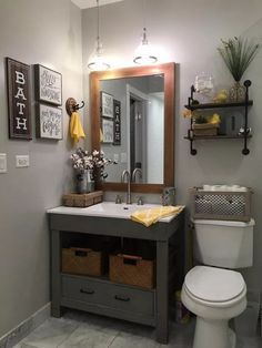Cheap and Easy Diy Bathroom Vanity Makeover Ideas - Bancroft News Top Bathroom Design, Small Grey Bathrooms, Small Bathroom Decor, Easy Bathroom Makeover, Bathroom Decor, Bathroom Makeover, Rustic Bathroom Vanities, Simple Bathroom, Bathroom Vanity Remodel