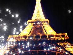 The beauty that is the Eiffel Tower when it sparkles.....