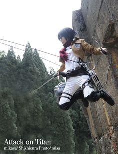Mikasa  Cosplay - Attack on Titan