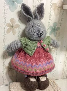 May 2017 - 🦋 Mary Jane's Tearoom original toy knitting patterns. Knitter, crocheter, pattern writer and photographer of MJT designs. Knitted Bunnies, Knitted Teddy Bear, Knitted Animals, Knitted Dolls, Knitting Projects, Crochet Projects, Knitting Patterns, Sewing Projects, Crochet Patterns