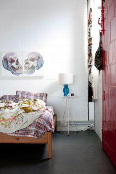 Kolorowe wnętrza domu młodej malarki Kirry Jamison.