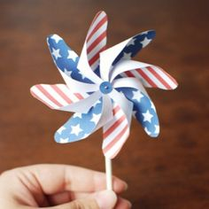 Patriotic Pinwheel Printable from Nifty Thrifty Things