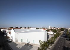 Completed in 2014 in Castro Verde, Portugal. Images by Gonçalo Pacheco, Walter Vinagre. . Located in the municipality of Castro Verde in Alentejo, IN CASTRO – IDEAS AND BUSINESS CENTER has been a great propellant for local entrepreneurs'...