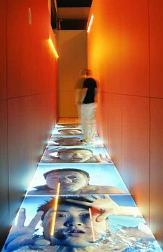 Interesting places to display exhibition pieces/ info - New Photography and Video from China art installation Exhibition Display, Museum Exhibition, Exhibition Ideas, Interactive Installation, Video Installation, Environmental Graphics, Environmental Design, Winter Photography, Light Photography